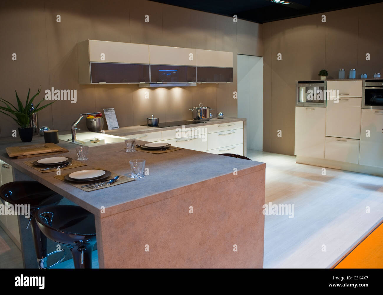 Paris france italian design kitchen at trade show for Show kitchen design