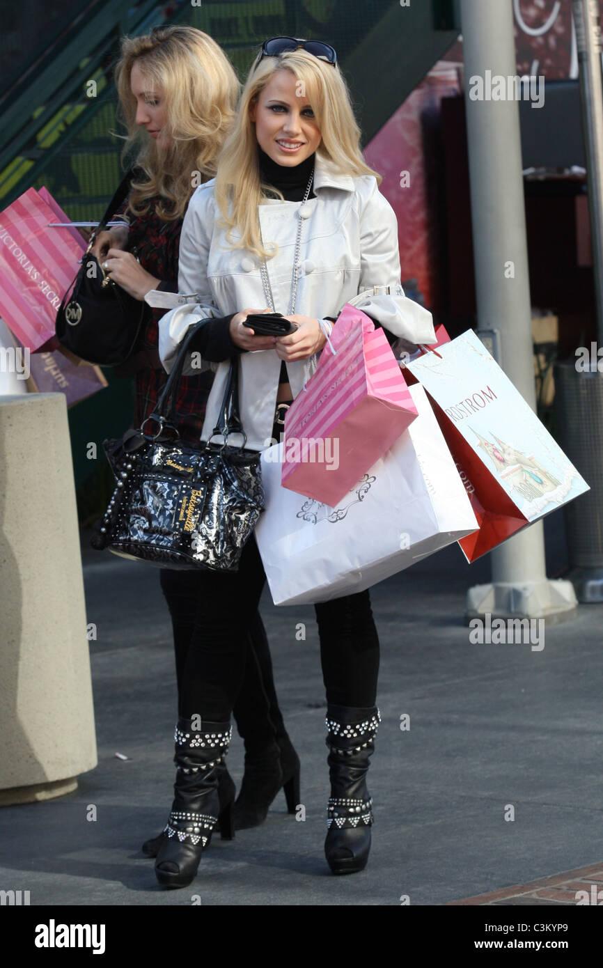 Jamie Hilfiger, the niece of fashion designer Tommy Hilfiger Stock ...