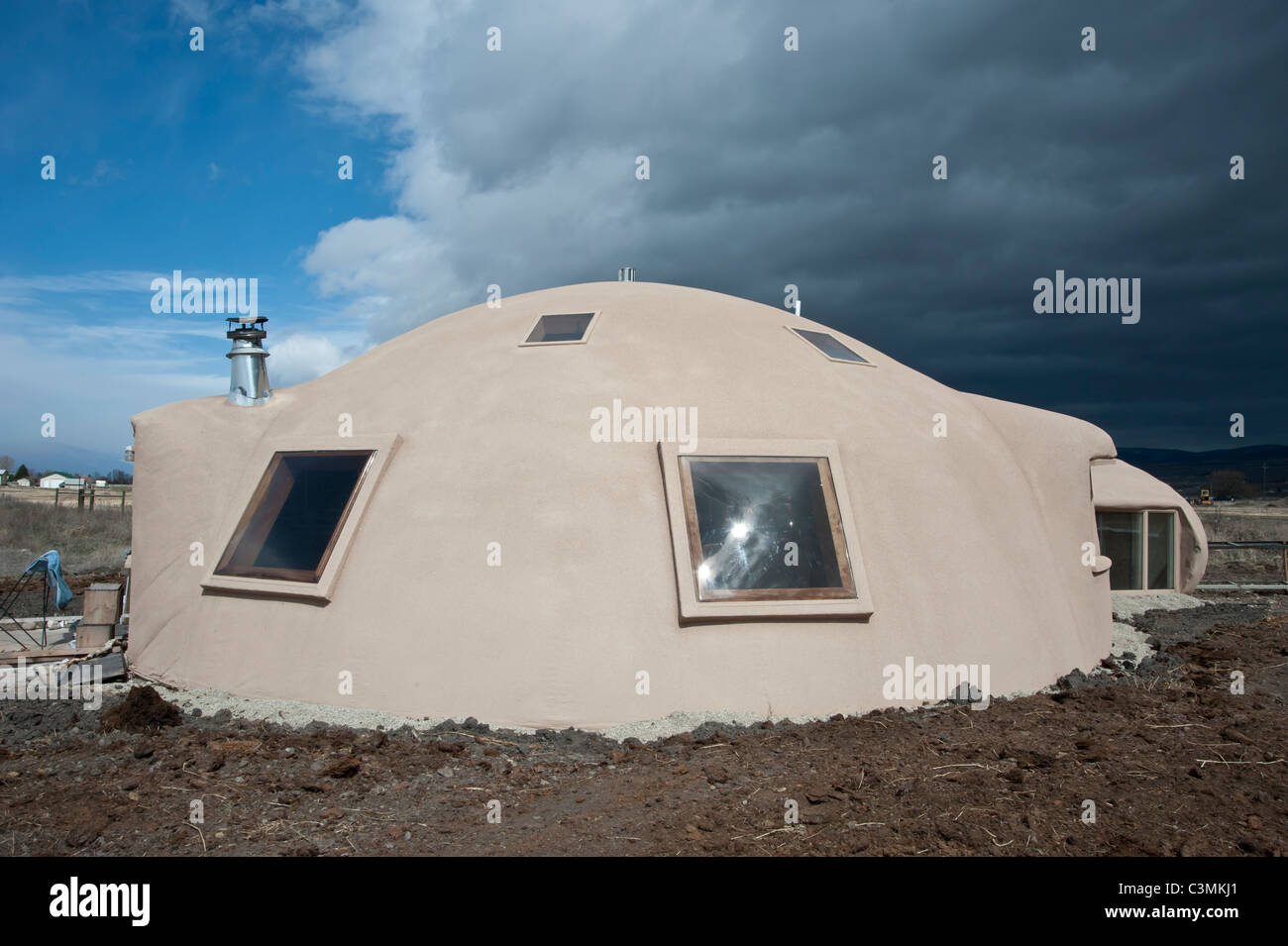 This Energy Efficient Monolithic Dome House Is Made