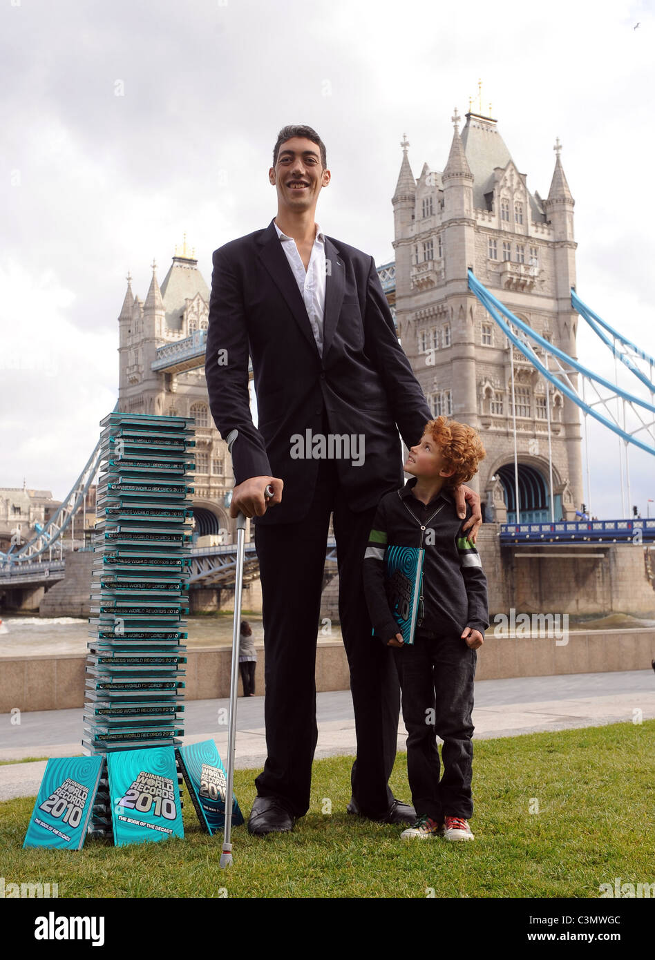 World S Most Beautiful: Image Gallery Tallest Person