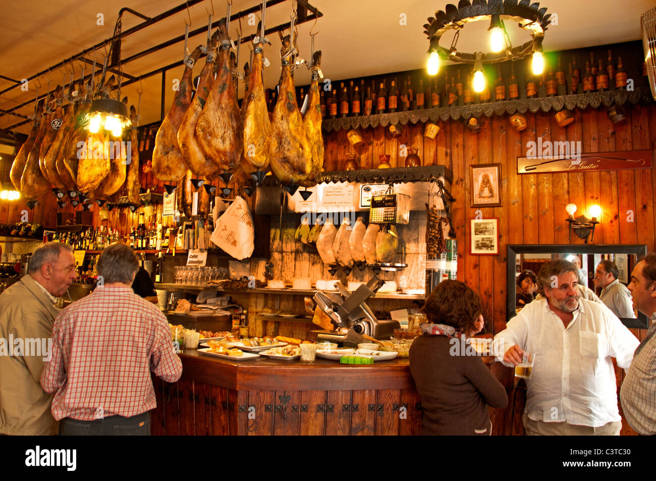 Casa valles restaurant bar san sebastian spain jamon - Casa san sebastian ...
