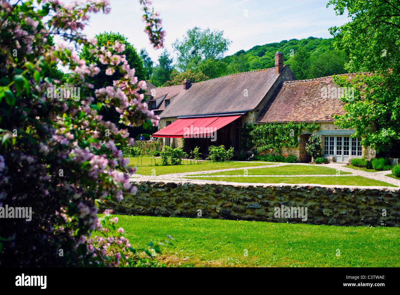 stock photo the garden of the duke and duchess of windsors country home le moulin de la tuilerie in gif sur yvette france - Country Home And Garden