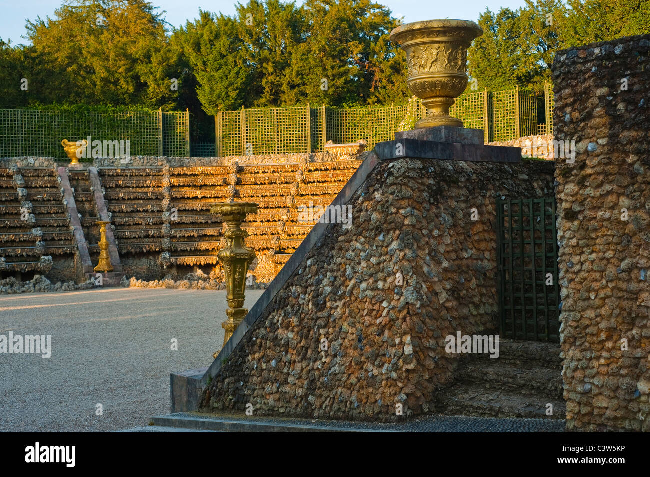 Versailles france urban park scenes garden jardin chateau de stock photo royalty free for Jardin chateau de versailles