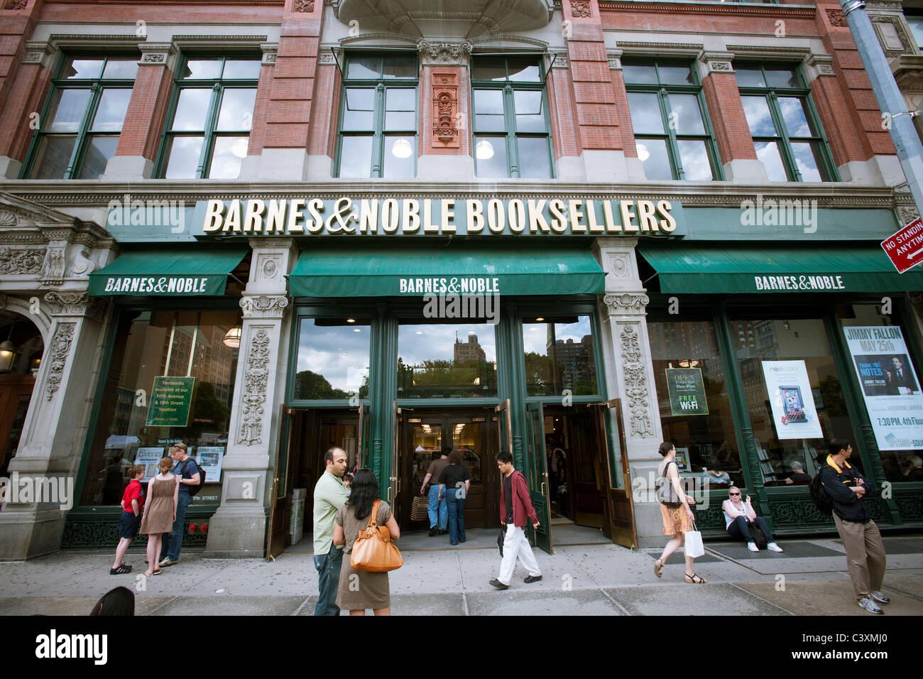 Barnes Amp Noble Bookstore Off Of Union Square In New York