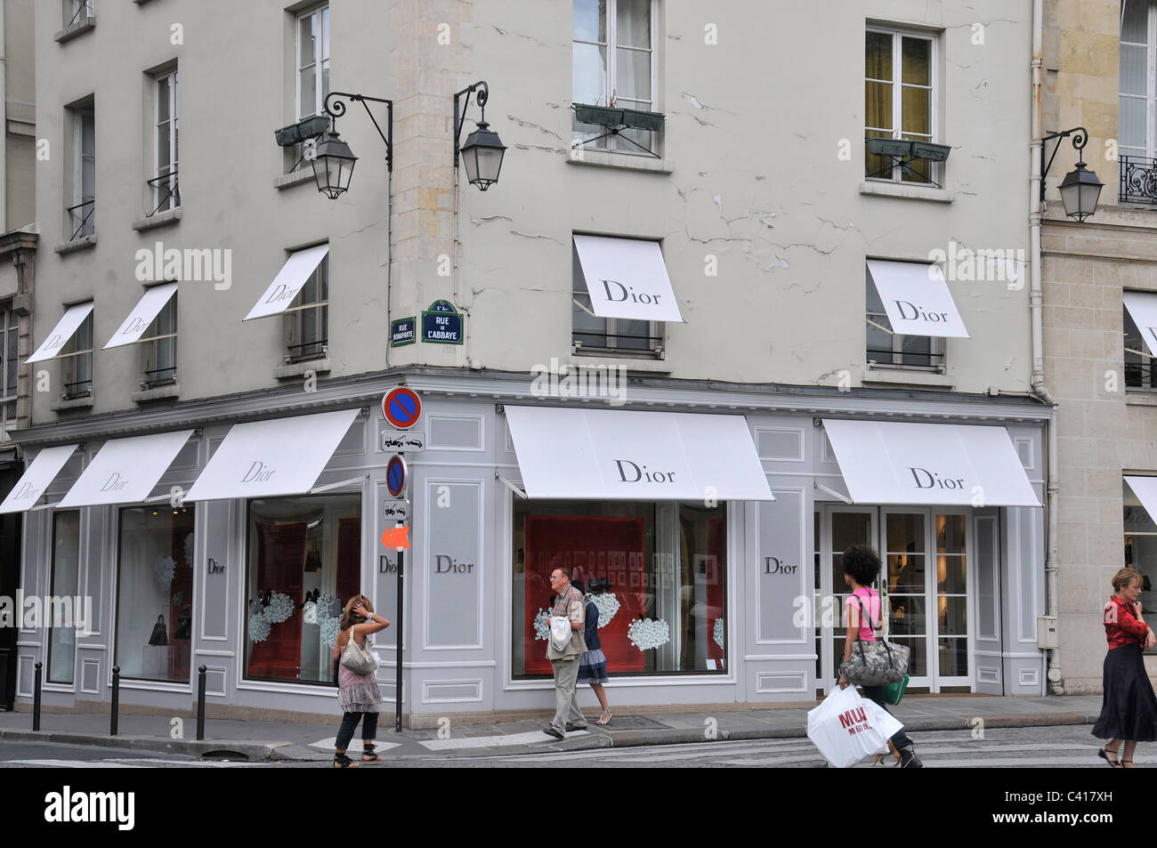 dior boutique rue de l 39 abbaye and rue bonaparte paris france stock photo royalty free image. Black Bedroom Furniture Sets. Home Design Ideas