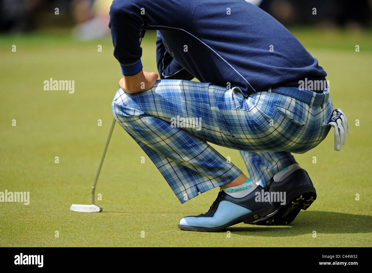 professional golfer in ian poulter wearing checked trousers stock photo  36986854