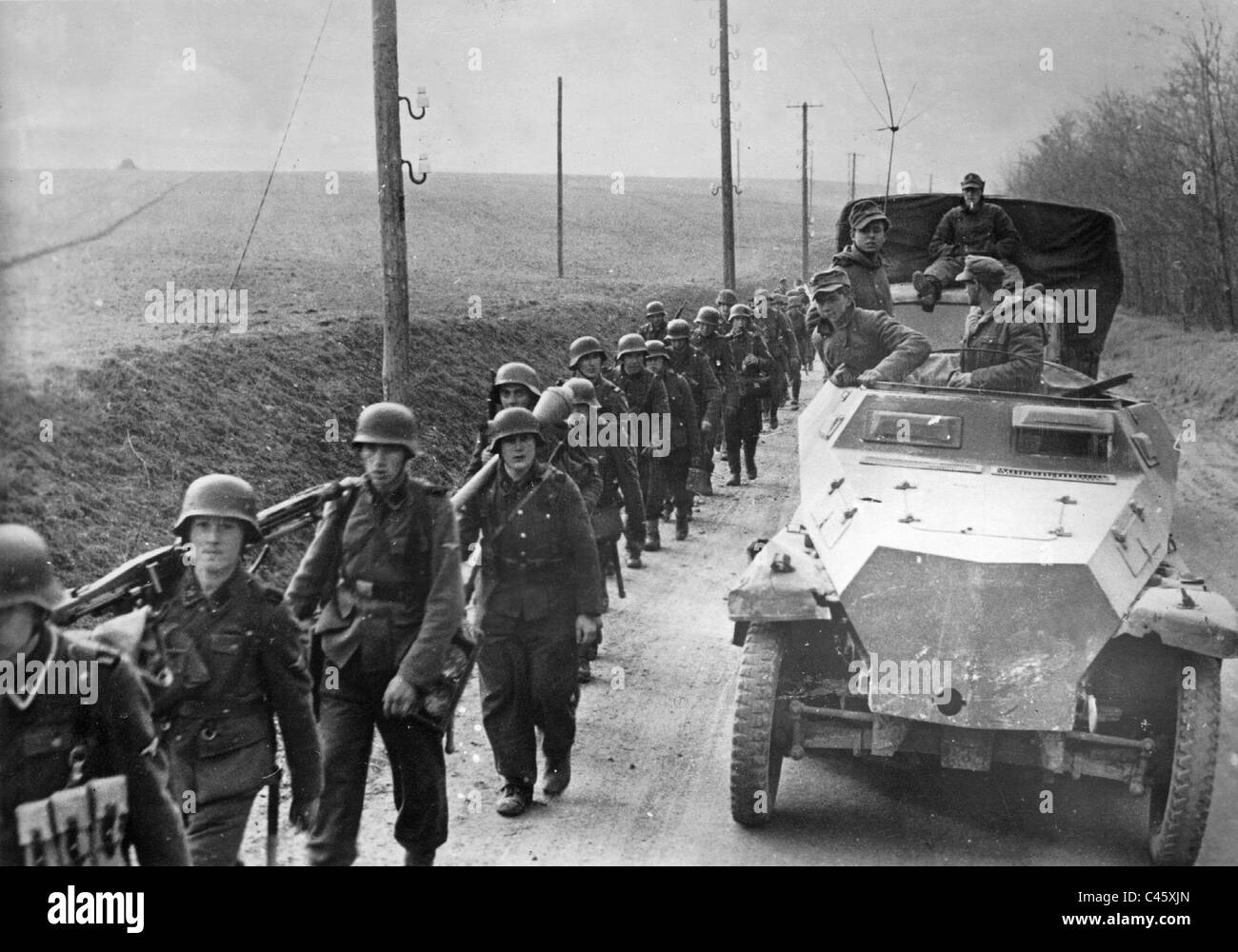 http://c8.alamy.com/comp/C45XJN/ss-grenadiers-on-the-way-to-the-front-in-hungary-1945-C45XJN.jpg