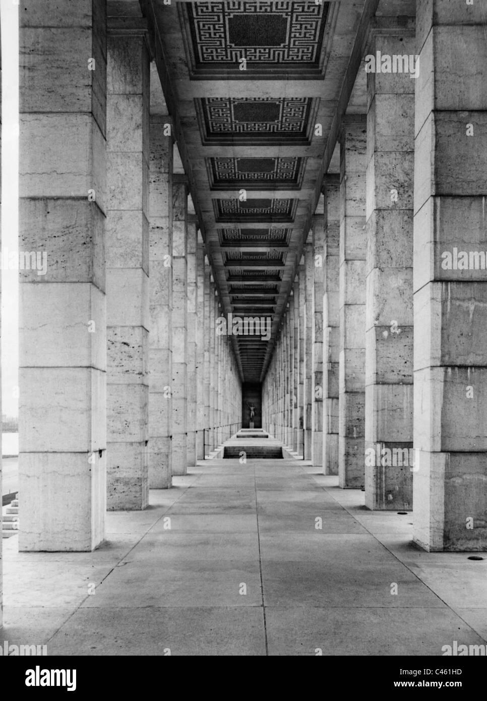 Architecture of the third reich nuremberg nazi party for Architektur 3 reich