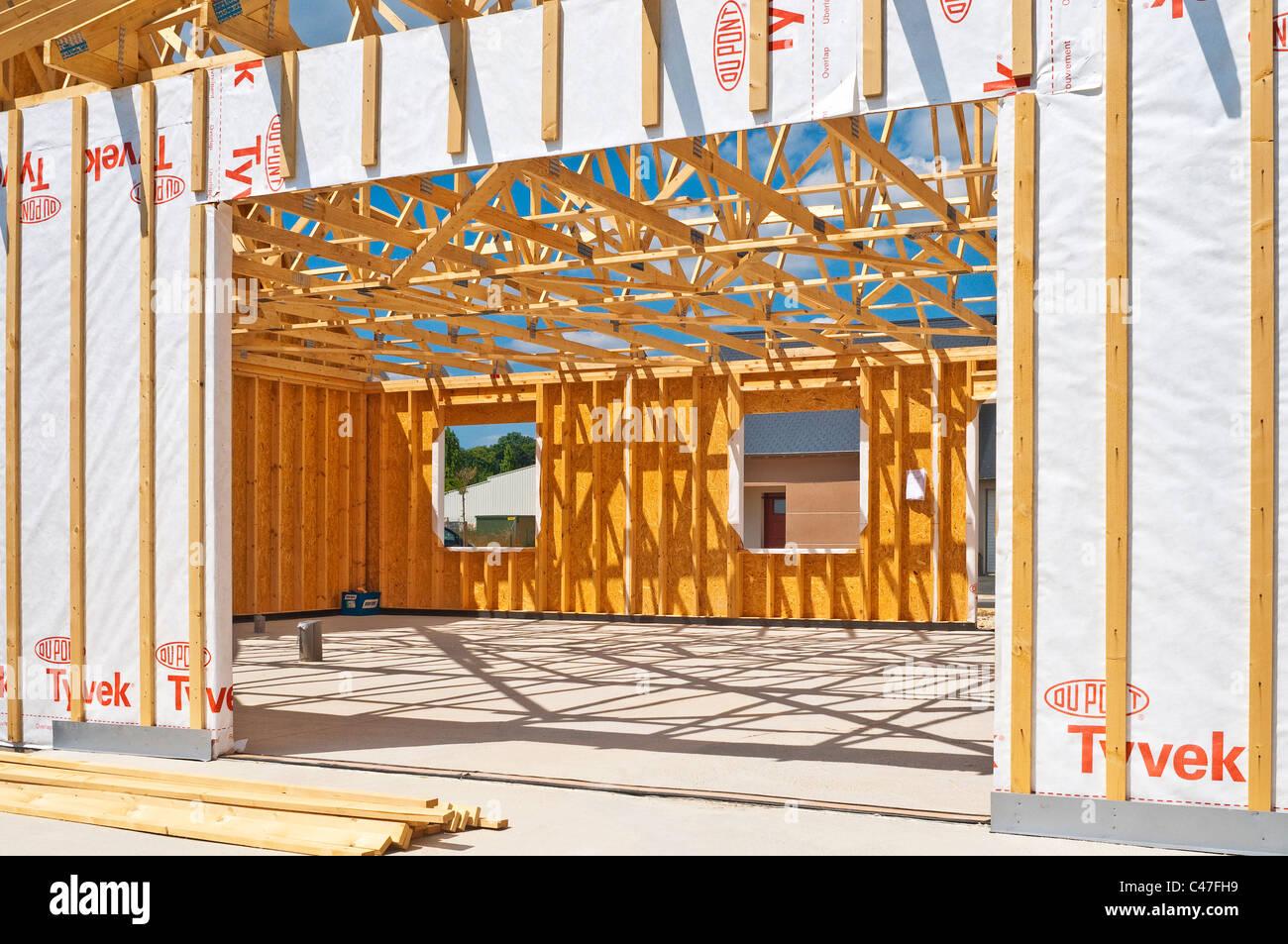 New Wood Bungalow House Construction Du Pont Tyvek
