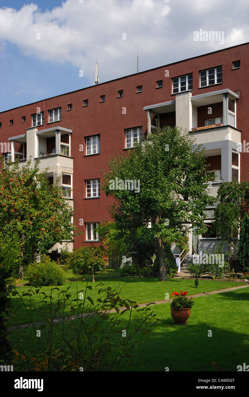 Horseshoe estate by bruno taut fritz reuter allee in berlin neukölln britz berlin germany