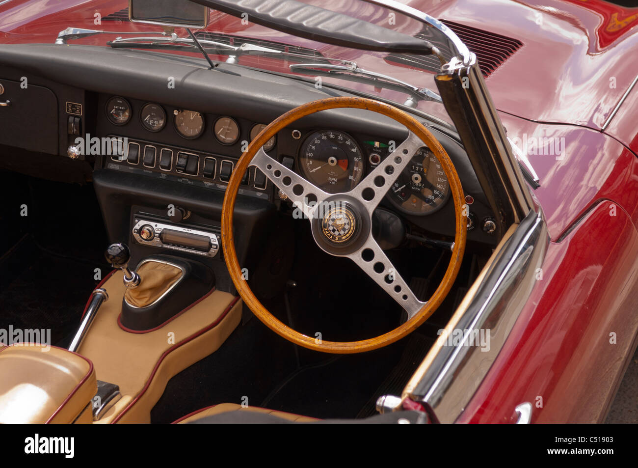the interior of an e type jaguar 4 2 litre classic car stock photo royalty free image 37523027. Black Bedroom Furniture Sets. Home Design Ideas