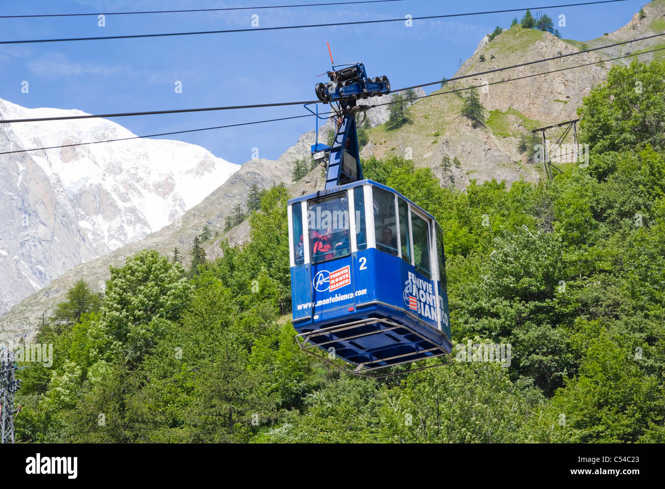 mont blanc mountain cable car
