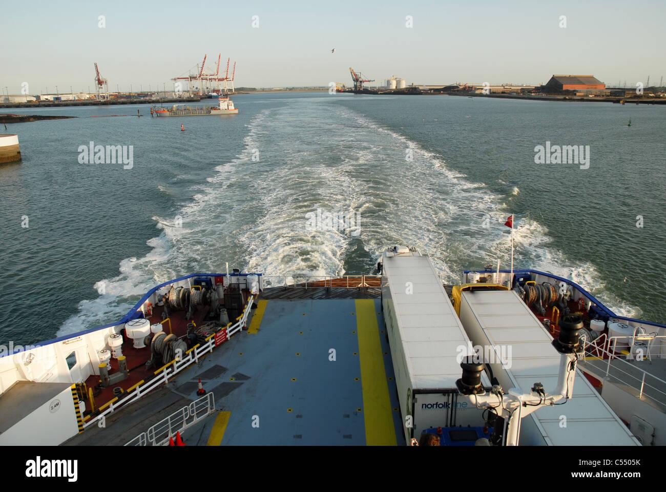 Port de dunkerque france stock photo royalty free image 37603935 alamy - Dunkirk port france address ...