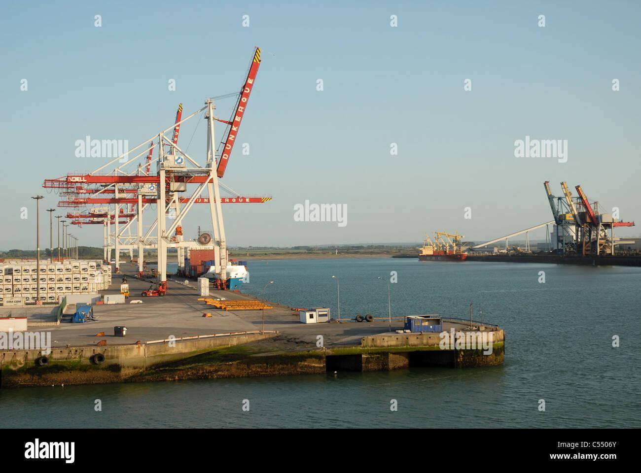 Port de dunkerque france stock photo royalty free image 37603971 alamy - Dunkirk port france address ...