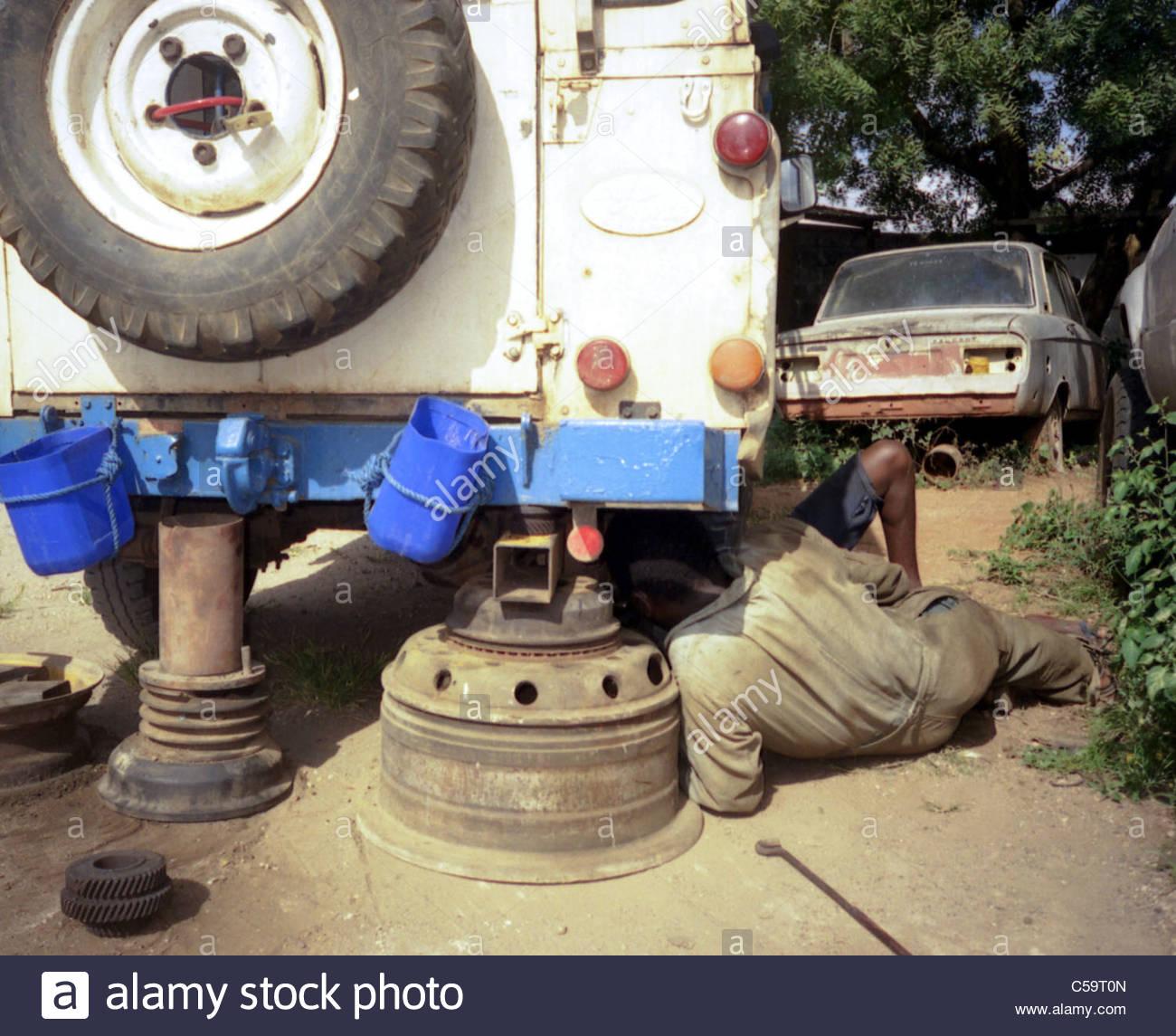 African Safari Kypros Expedition Land Rover Mechanics
