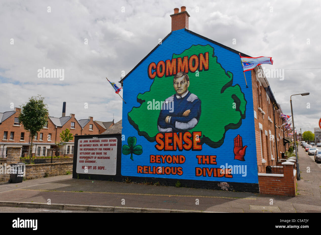 Mural in belfast common sense beyond the religious for Mural belfast