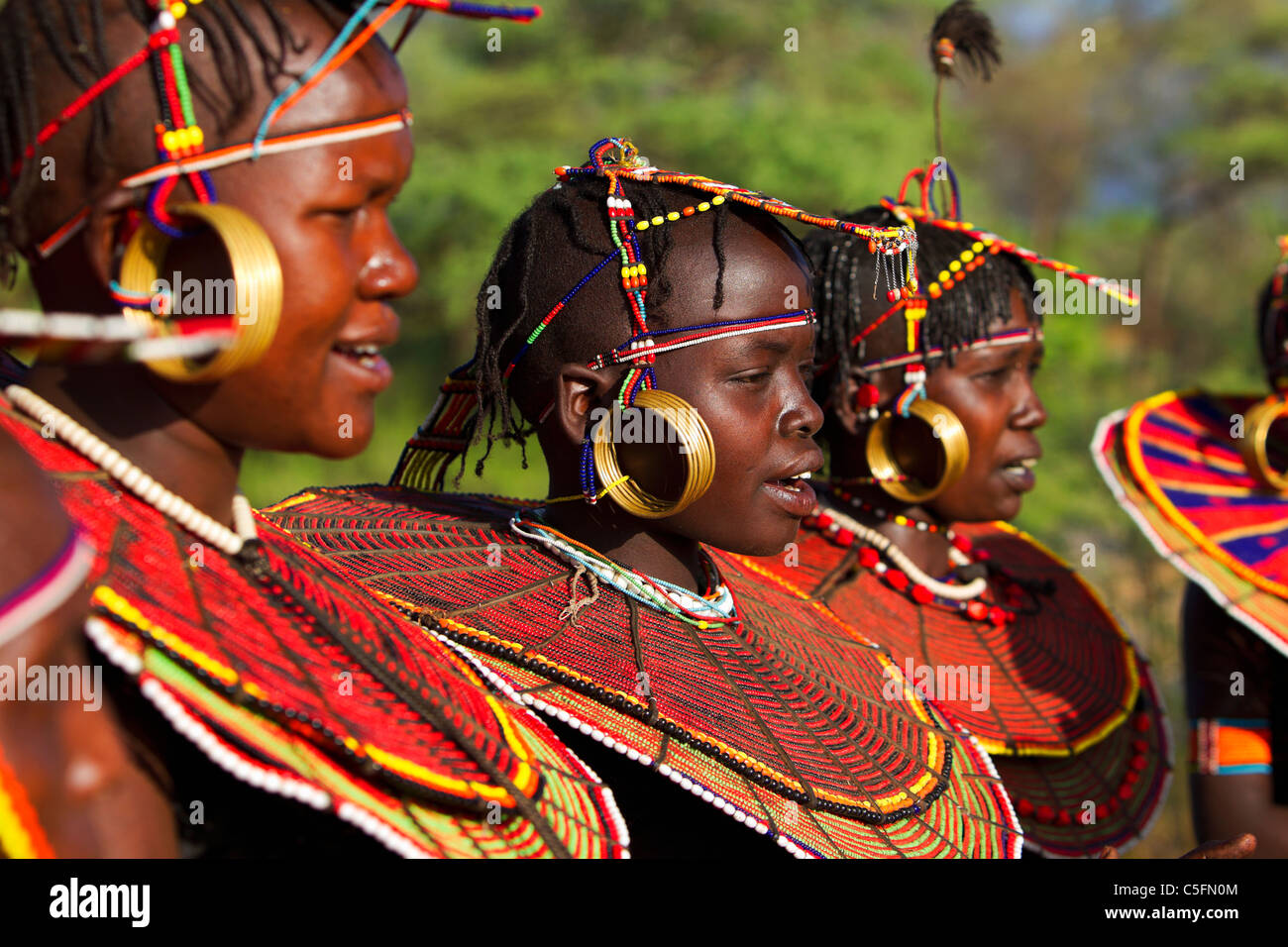 http://c8.alamy.com/comp/C5FN0M/pokot-people-doing-traditional-dancing-they-live-in-the-west-and-baringo-C5FN0M.jpg