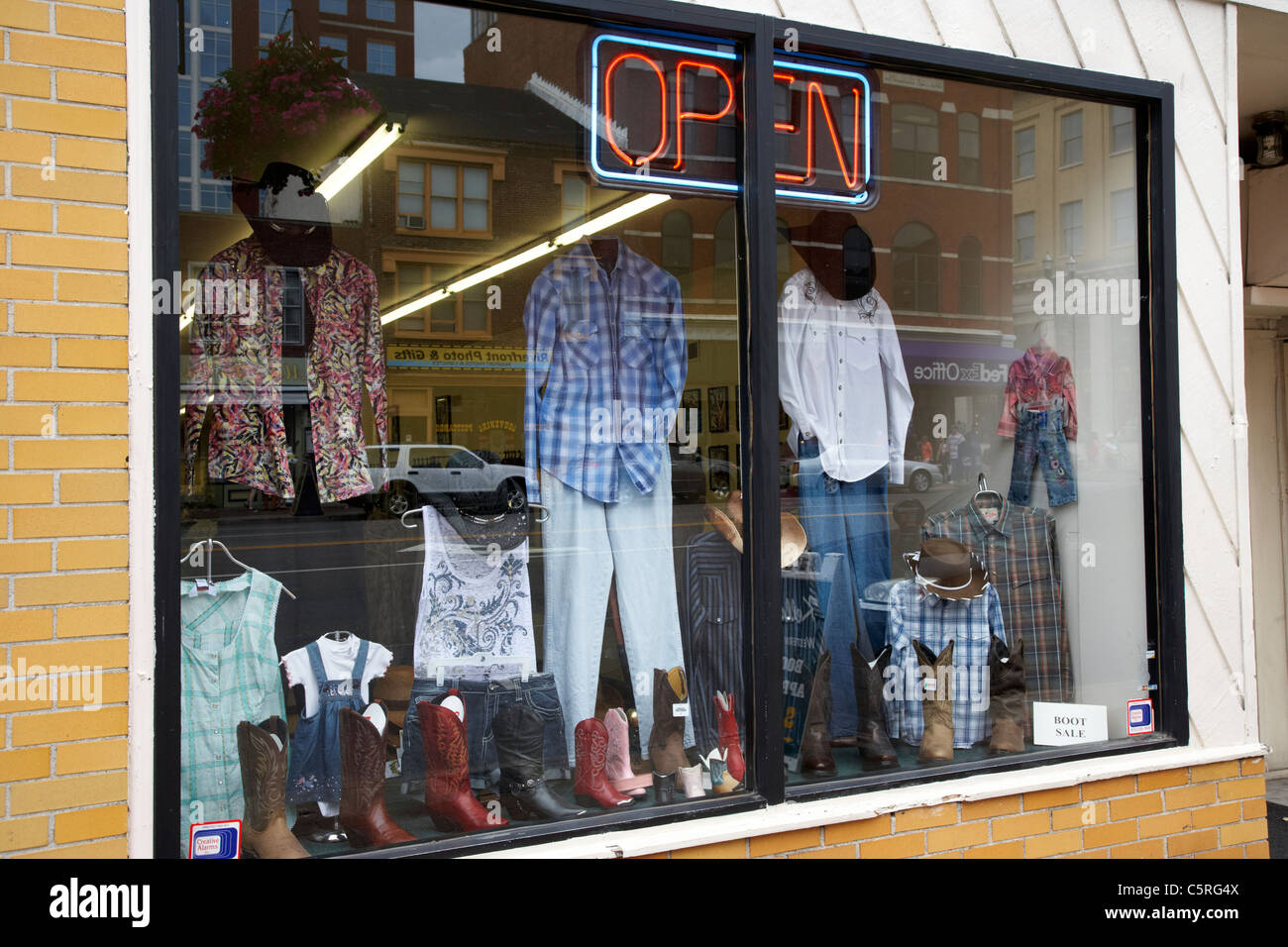 Clothes stores Online western clothing stores