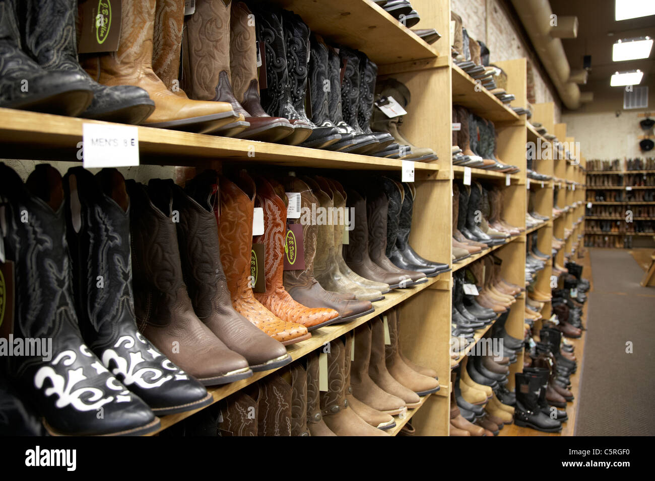 cowboy boots for sale in a store in Nashville Tennessee USA Stock ...