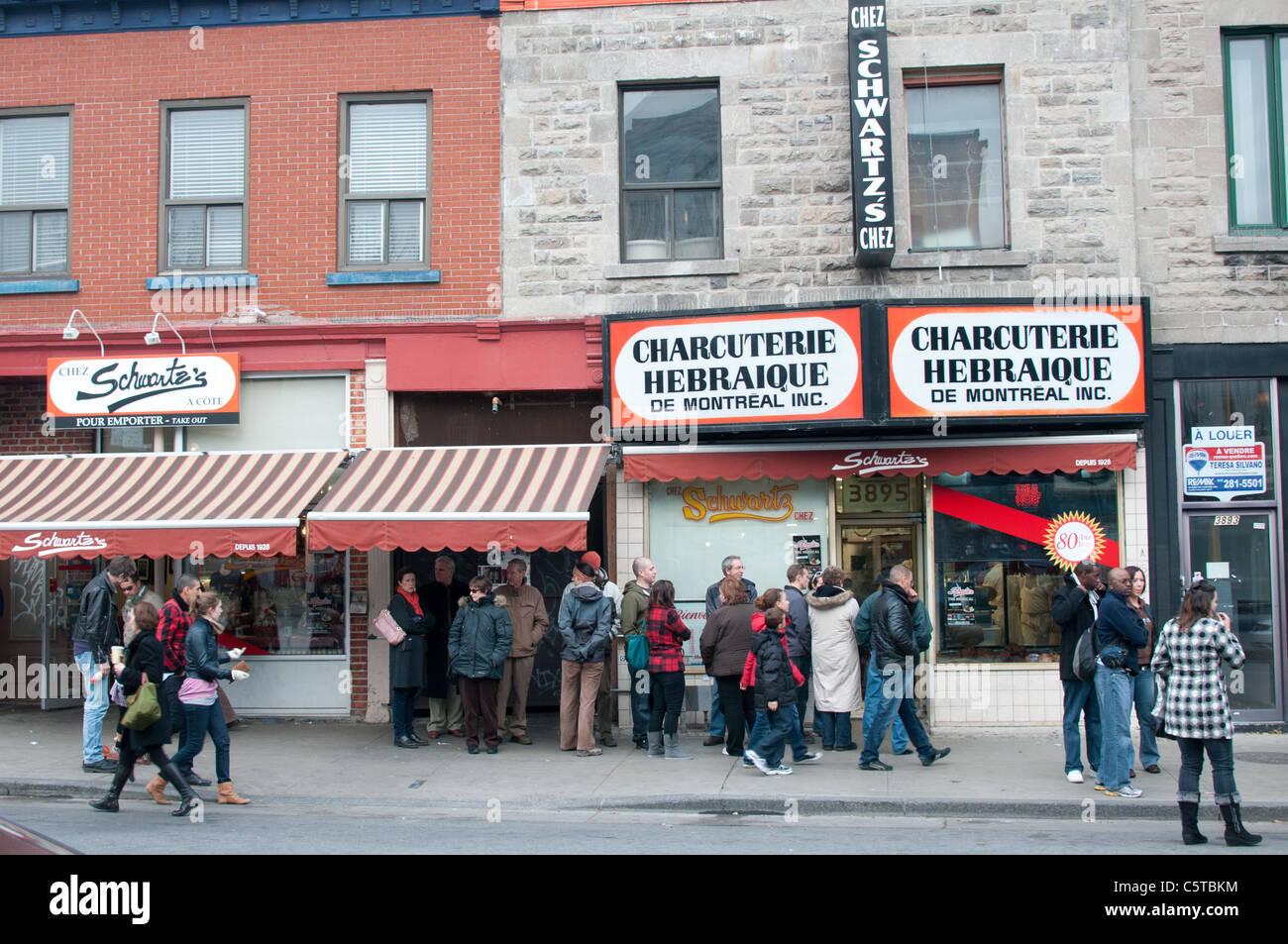 Famous schwartz deli restaurant on boulevard saint laurent for Boutique meuble rue st laurent montreal
