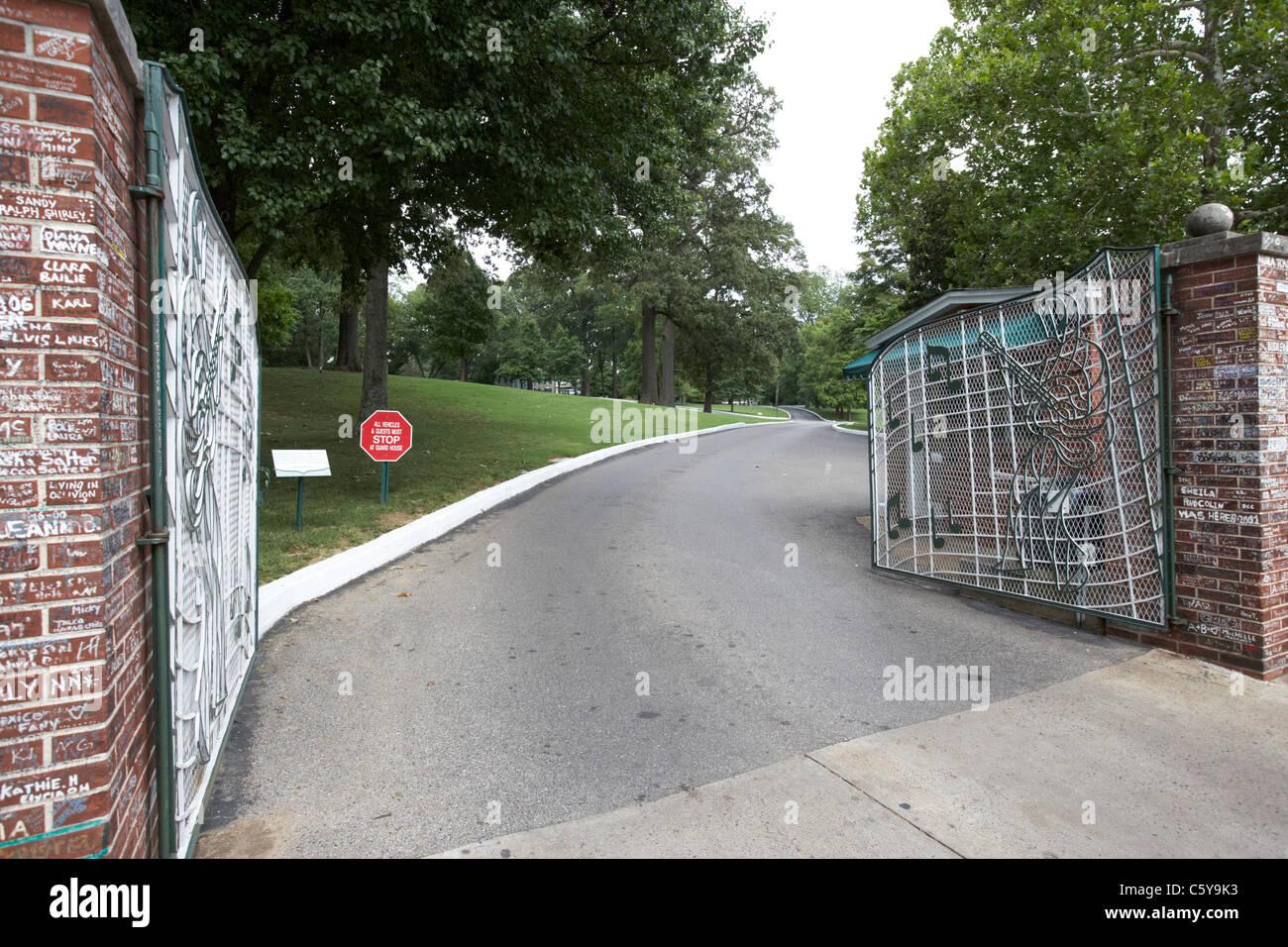 Gates and driveway of graceland elvis presleys mansion for Driveway gates online
