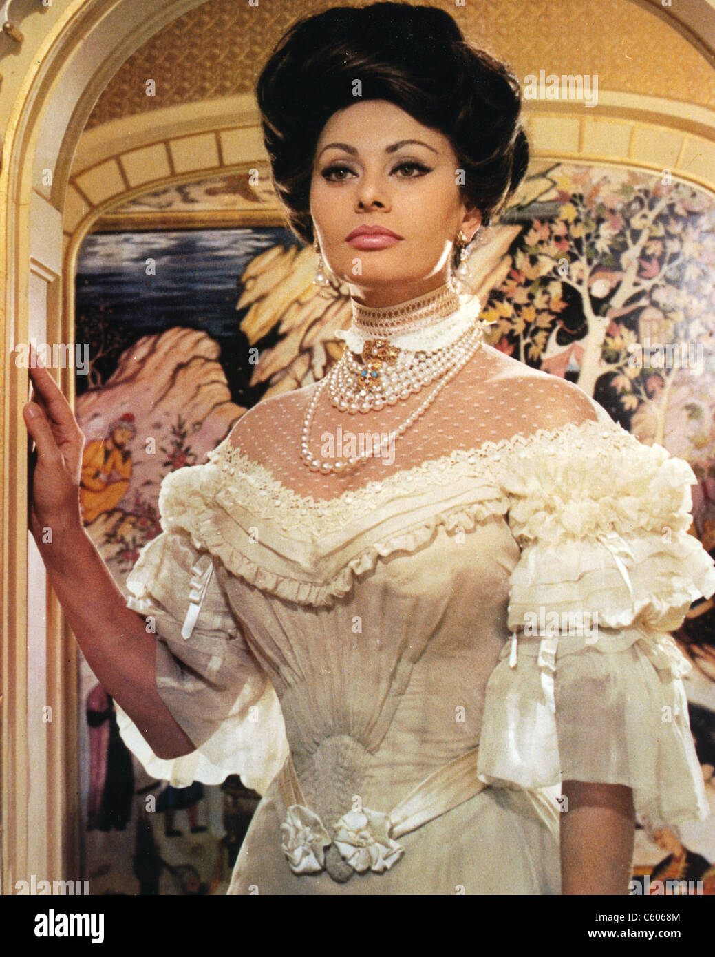 LADY L 1965 MGM film with Sophia Loren as Lady Louise