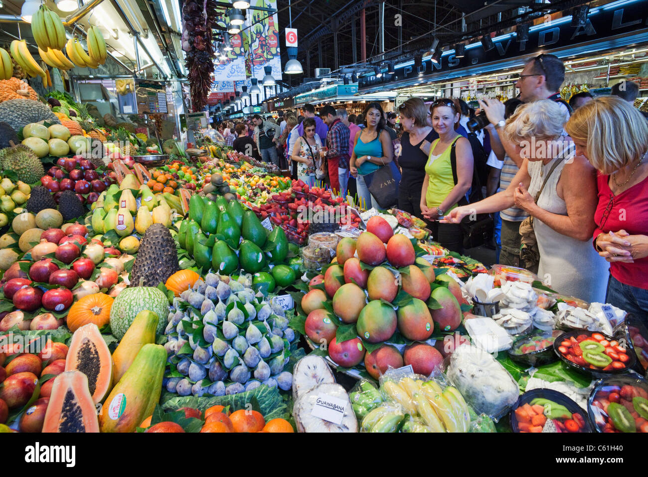 an essay on the markets of las ramblas and la boqueria Phd dissertation: the deteriorating histories in the public everyday space of post-francoist barcelona.