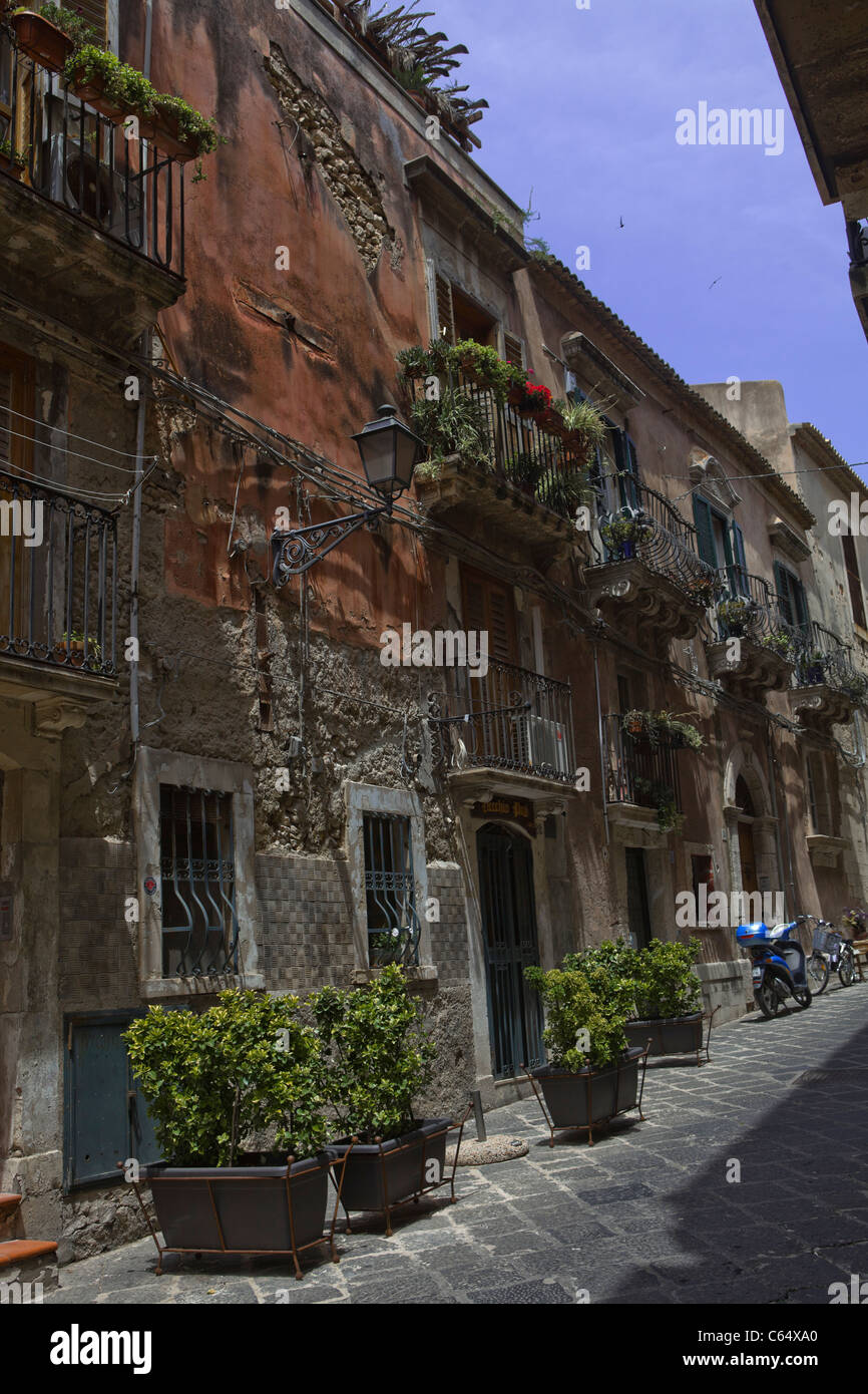 traditional old front house in sicily (italian medieval and