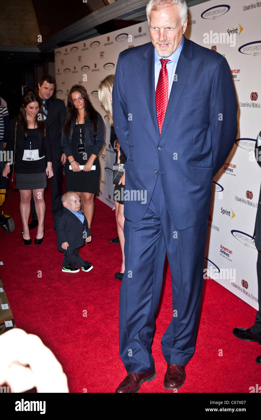 Verne Troyer Mark Eaton at arrivals for 26th Anniversary Sports