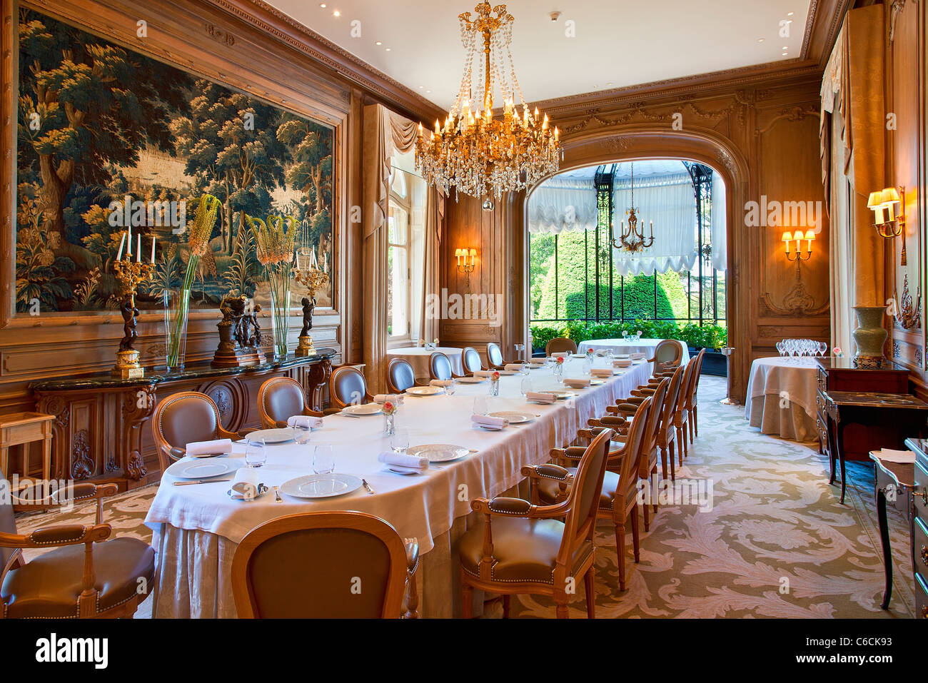 France marne reims chateau les crayeres restaurant for Hotel design reims