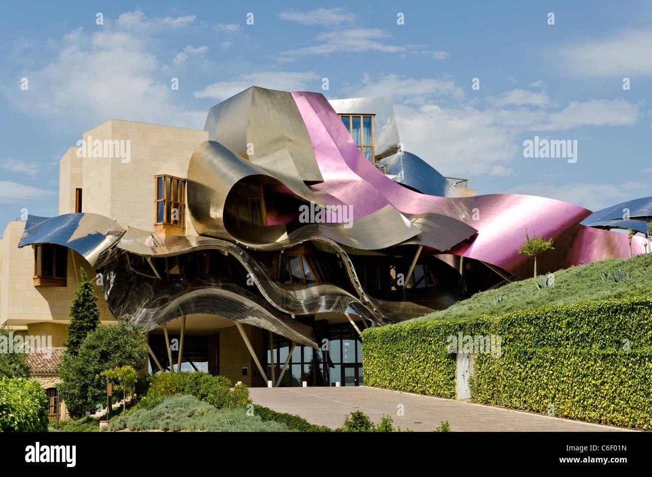 Exterior of marques de riscal hotel winery la rioja for Hotel luxury la rioja