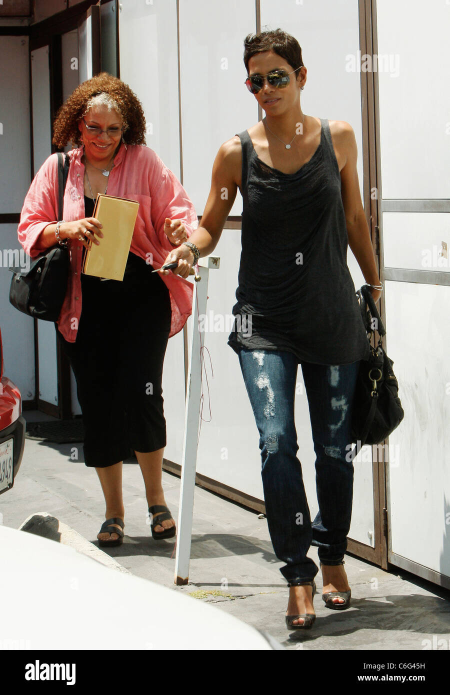 Halle berry stops by at the hair shop a wig and hair extension halle berry stops by at the hair shop a wig and hair extension store on wilshire boulevard los angeles california 170610 pmusecretfo Image collections