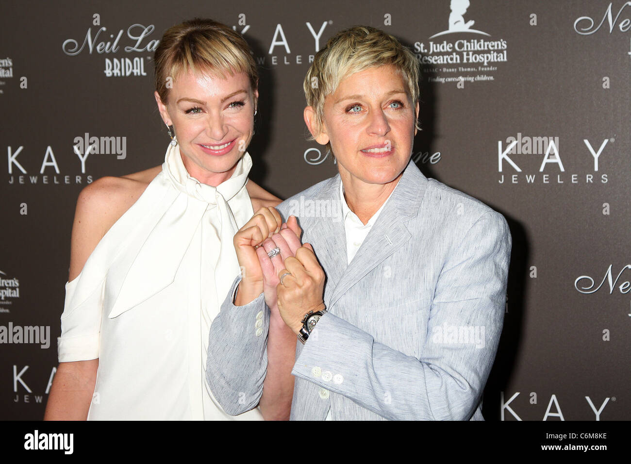 portia derossi amp ellen degeneres show off their wedding