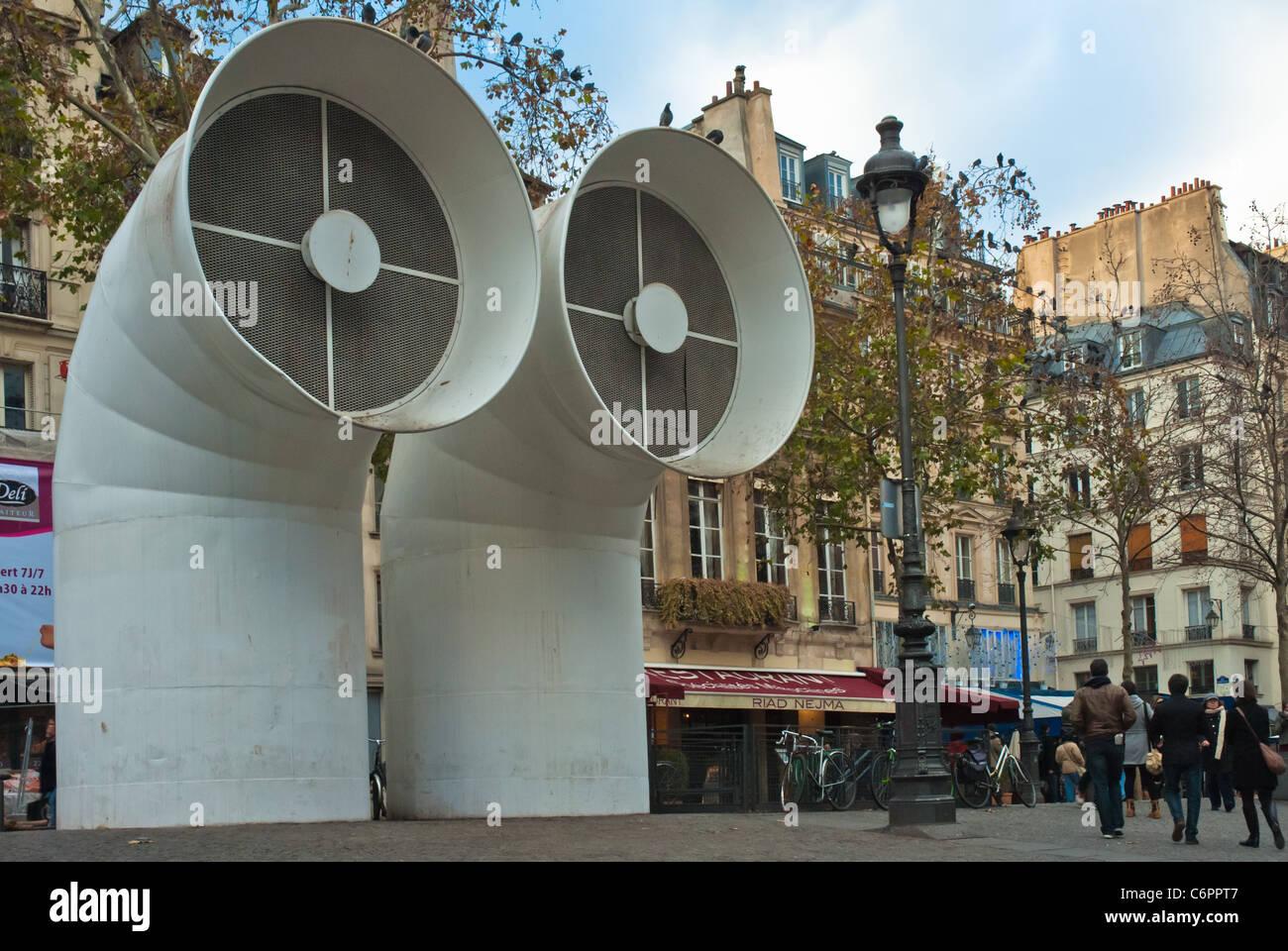 enormous air vents of the pompidou art centre paris. Black Bedroom Furniture Sets. Home Design Ideas