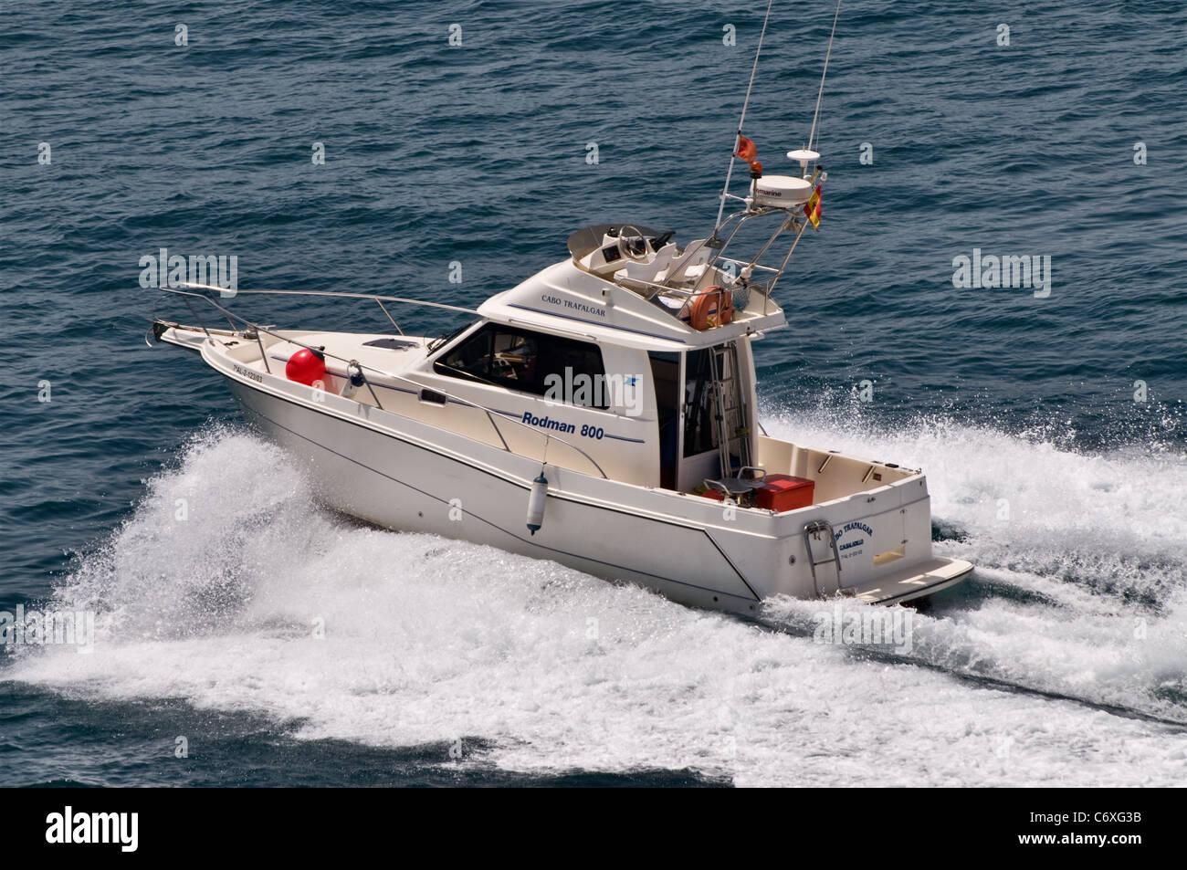 Small fast fishing boat pleasure craft rodman 800 stock for Fast fishing boats
