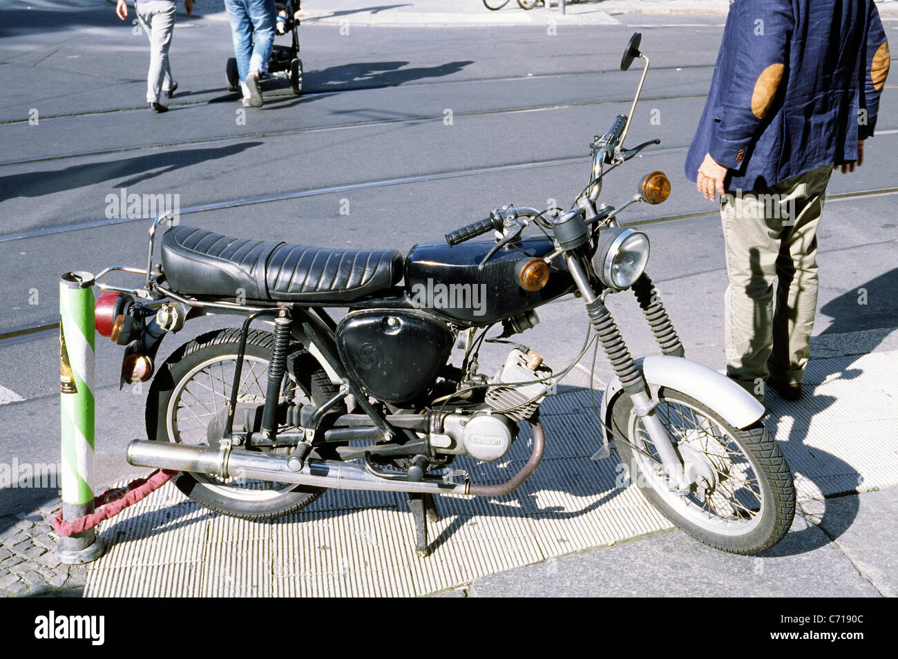 old east german simson s51 moped in mitte district of. Black Bedroom Furniture Sets. Home Design Ideas