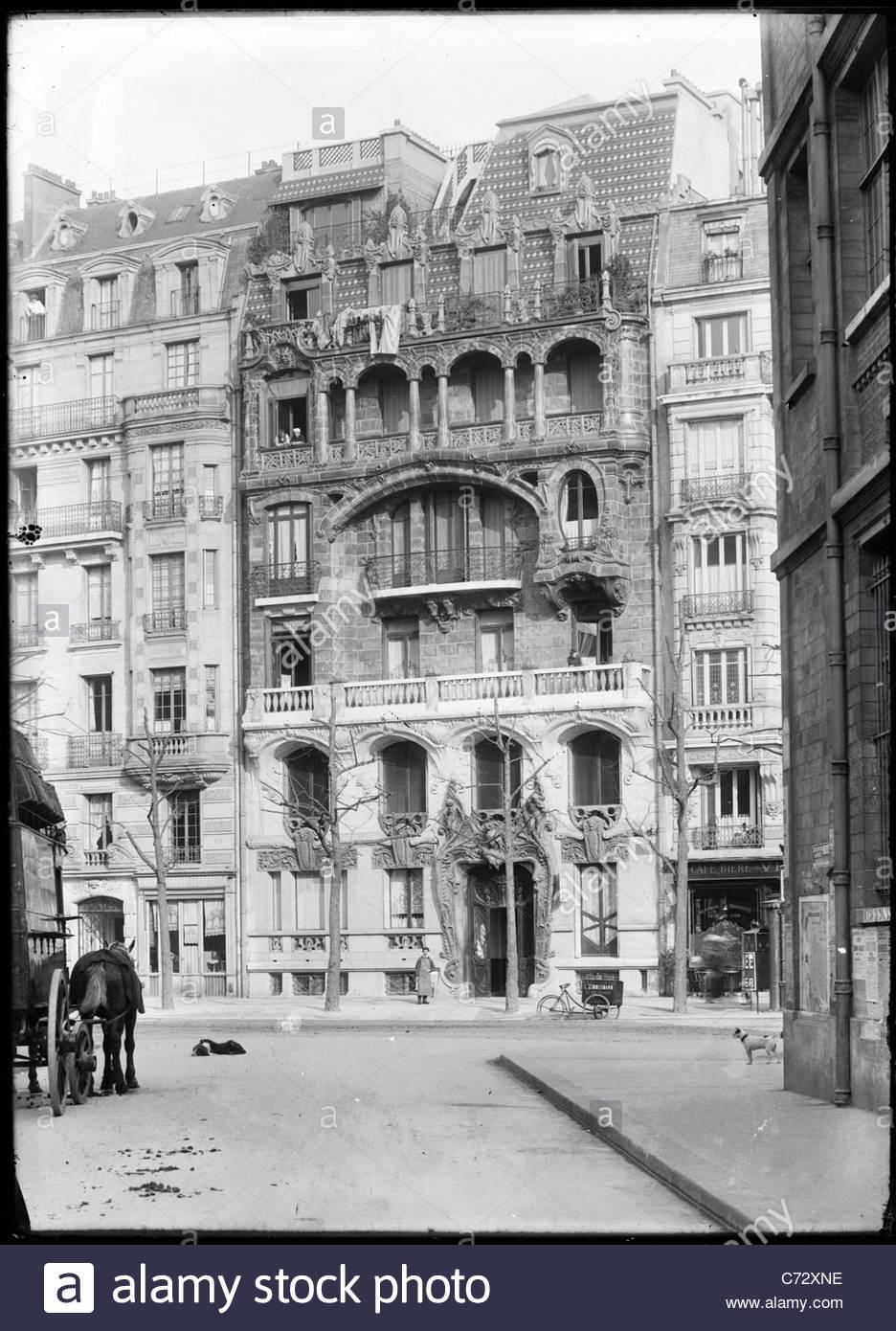 Apartment Building History art nouveau apartment building 29 avenue rapp, paris, france stock