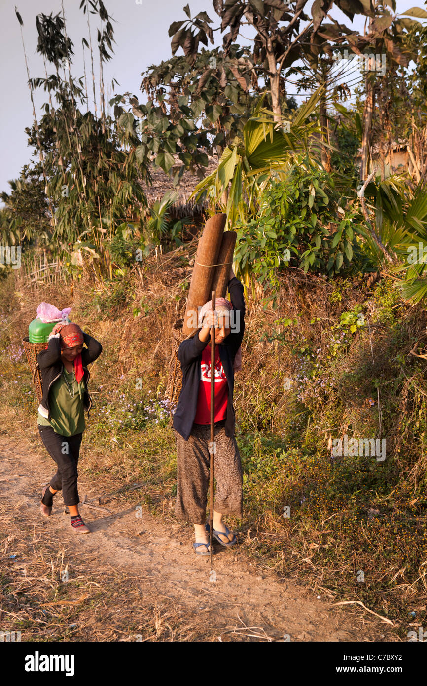 12 with Stock Photo India Nagaland Mon Wangkhao Village Woman Carrying Water In Traditional 38985942 on Die Villen Am  er See as well 1106 additionally Lbi Beach Boho Bridal Shower Beach Haven Nj furthermore Seafarer Key Largo Resort And Beach as well The Cloister Sea Island.