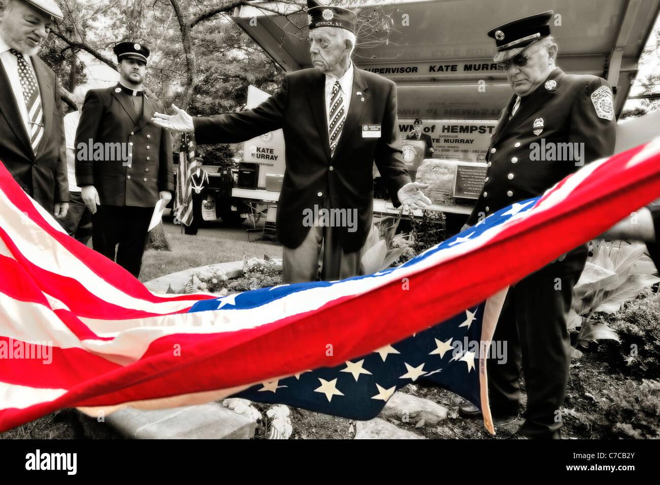 Lifting_American_Flag_reveals_monument_m