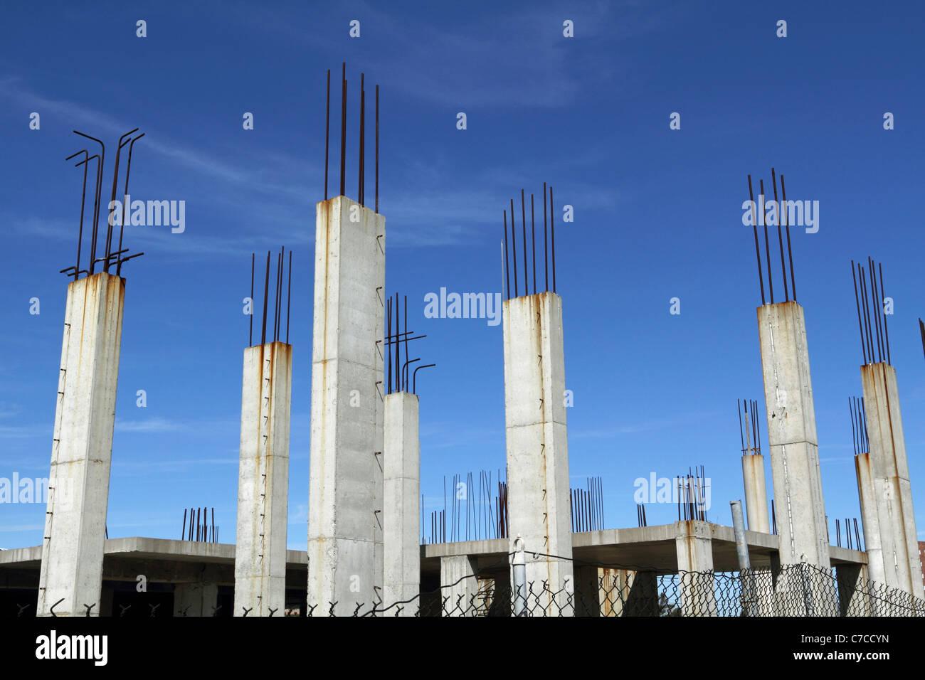 Pillar Concrete Buildings : Reinforced concrete structural columns at a construction
