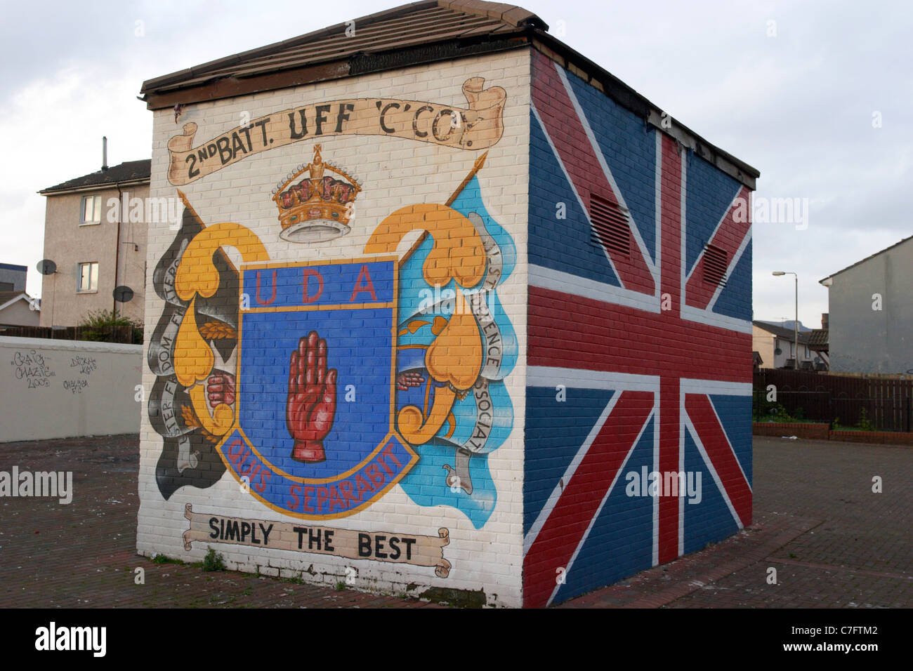 Uda uff shankill road loyalist wall mural painting west for Mural belfast