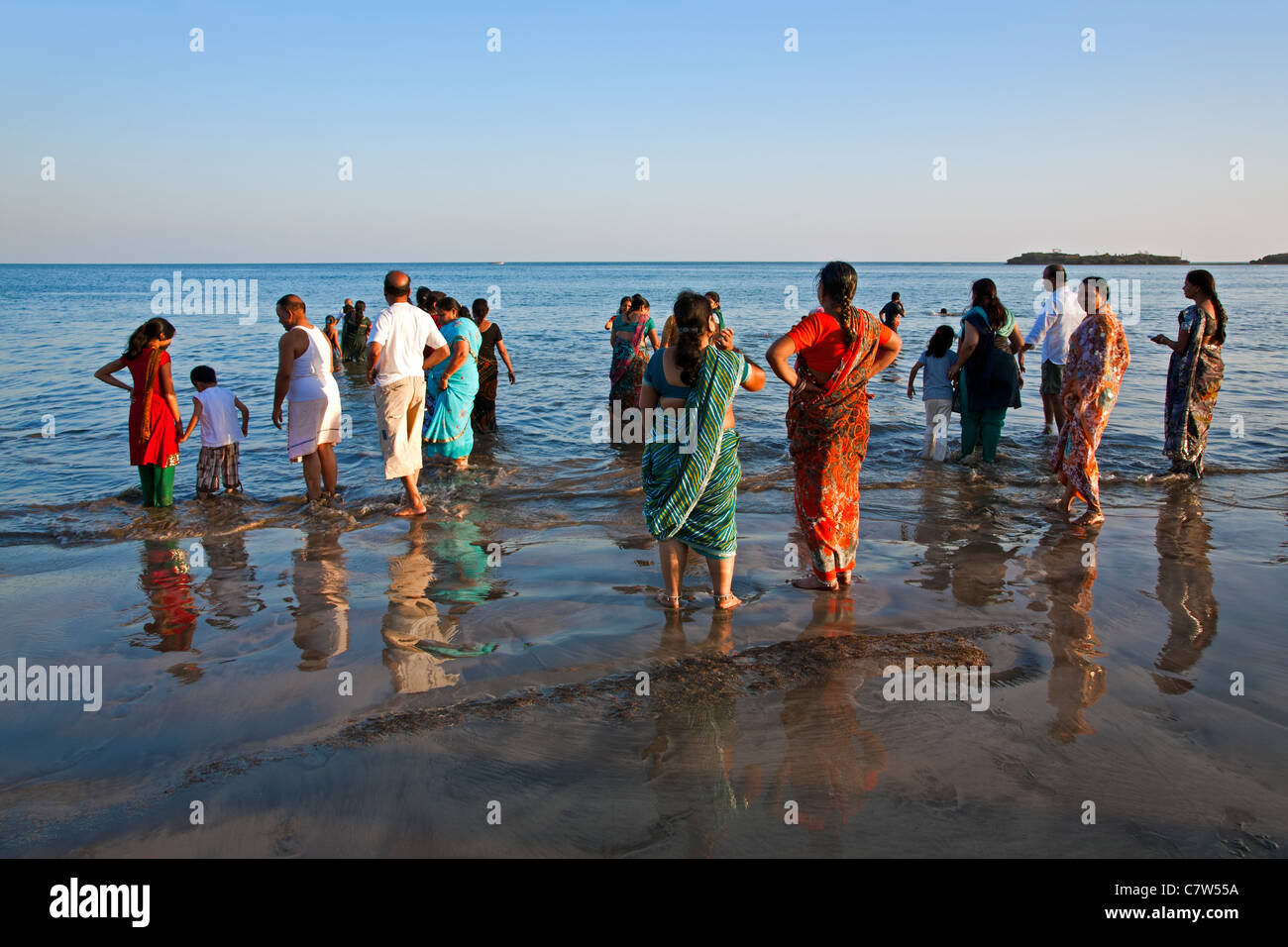seaside hindu single men Your holiday romance is doomed to fail regardless of  it is important for girls to know that facebook is popular when it comes to turkish men looking for single.