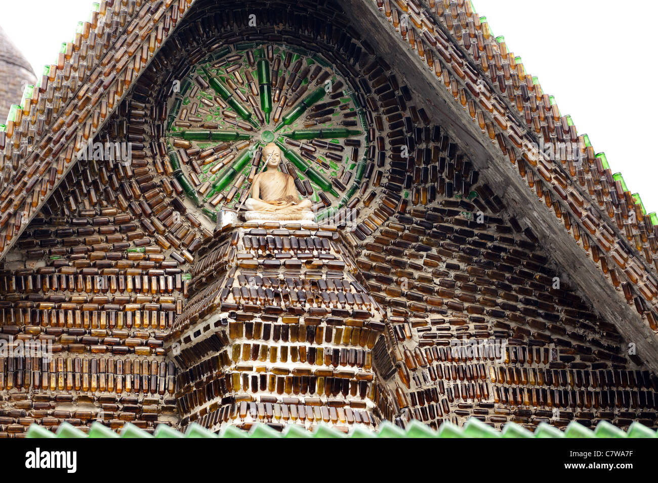wat pa maha chedio kaew the one million bottle temple