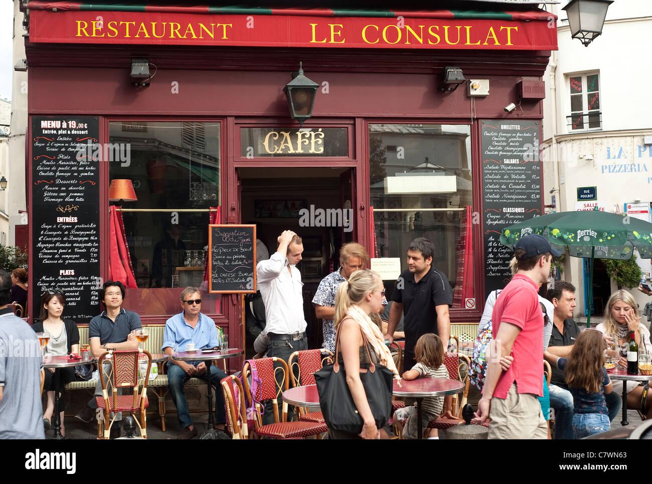 Paris france restaurant le consulat in montmartre for Restaurant le miroir montmartre