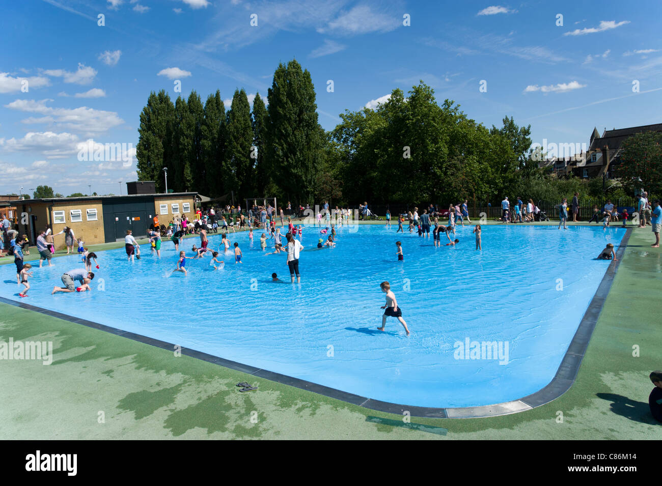 Toddlers paddling pool at hampstead heath london england uk stock photo royalty free image for Hampstead heath park swimming pool