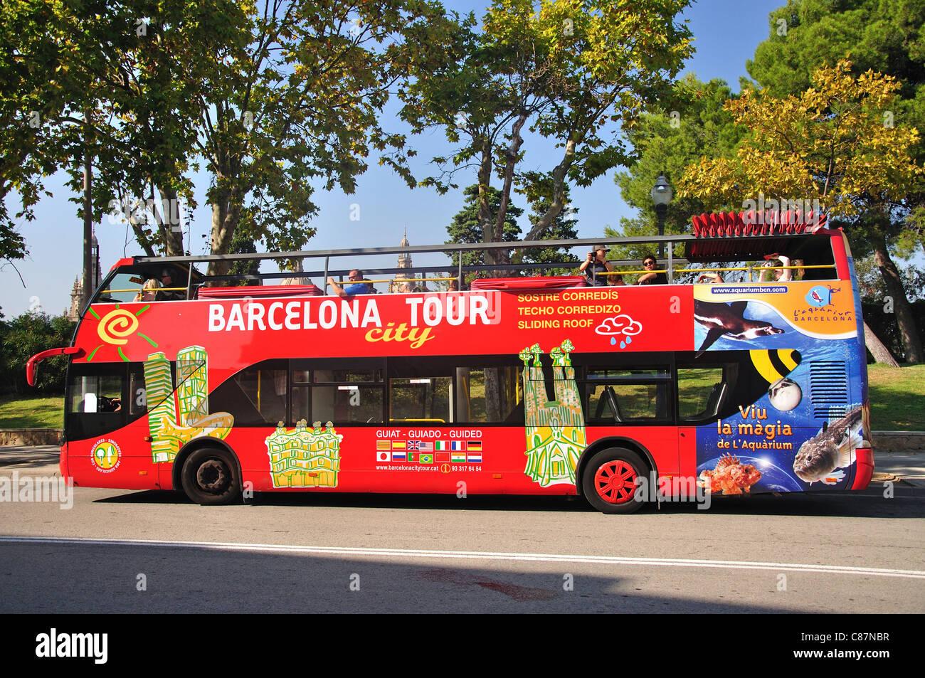 Double decker city sightseeing bus jardin de joan brossa for Barcelona jardin