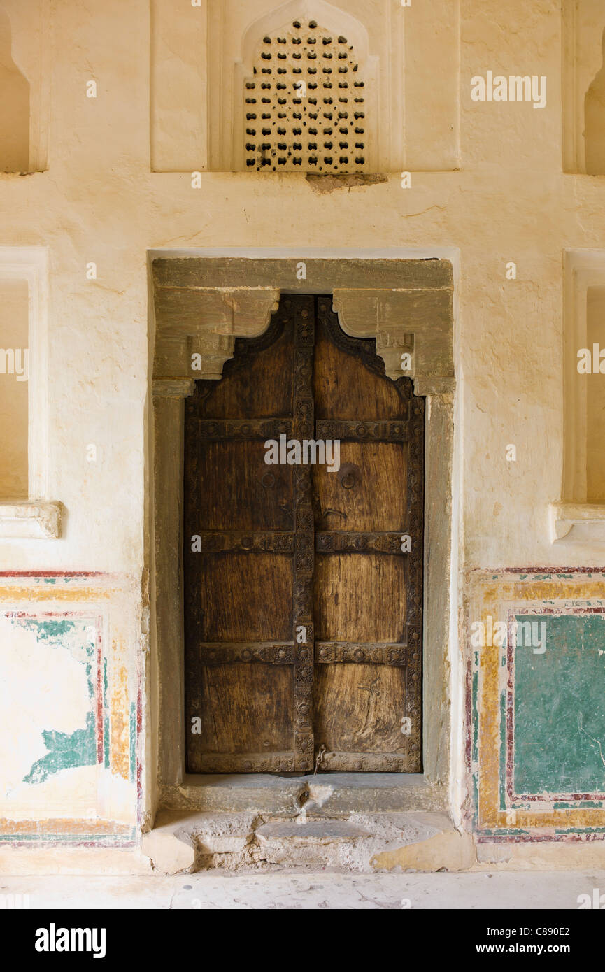 Hindu style traditional door in Acacia wood at the 16th Century Amber Fort in Jaipur in Rajasthan Northern India & Hindu style traditional door in Acacia wood at the 16th Century ... pezcame.com