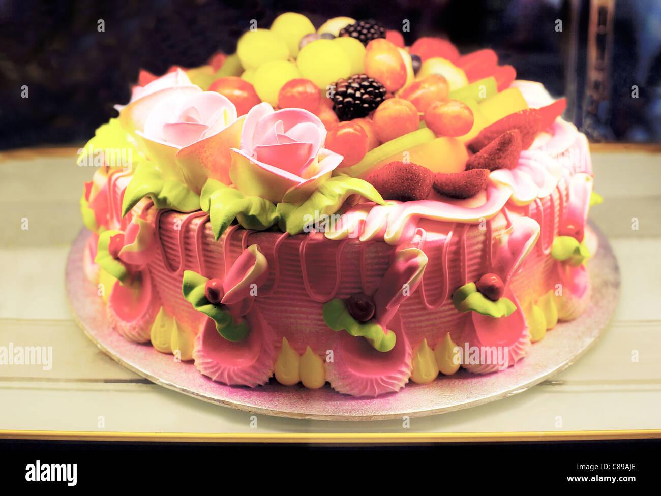 Cheap birthday cake shops in london