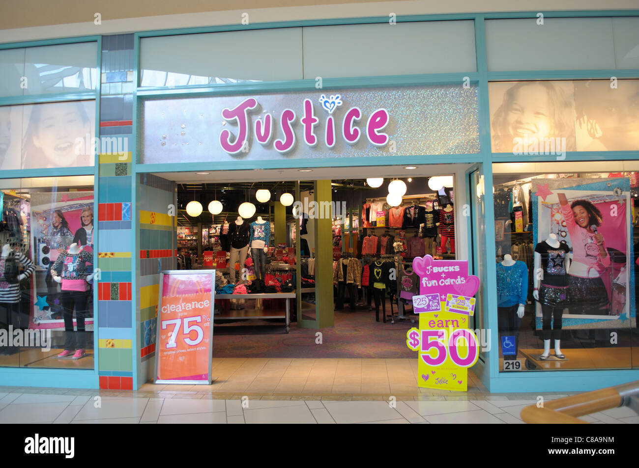 entrance to Justice girls clothing store Stock Photo, Royalty Free ...