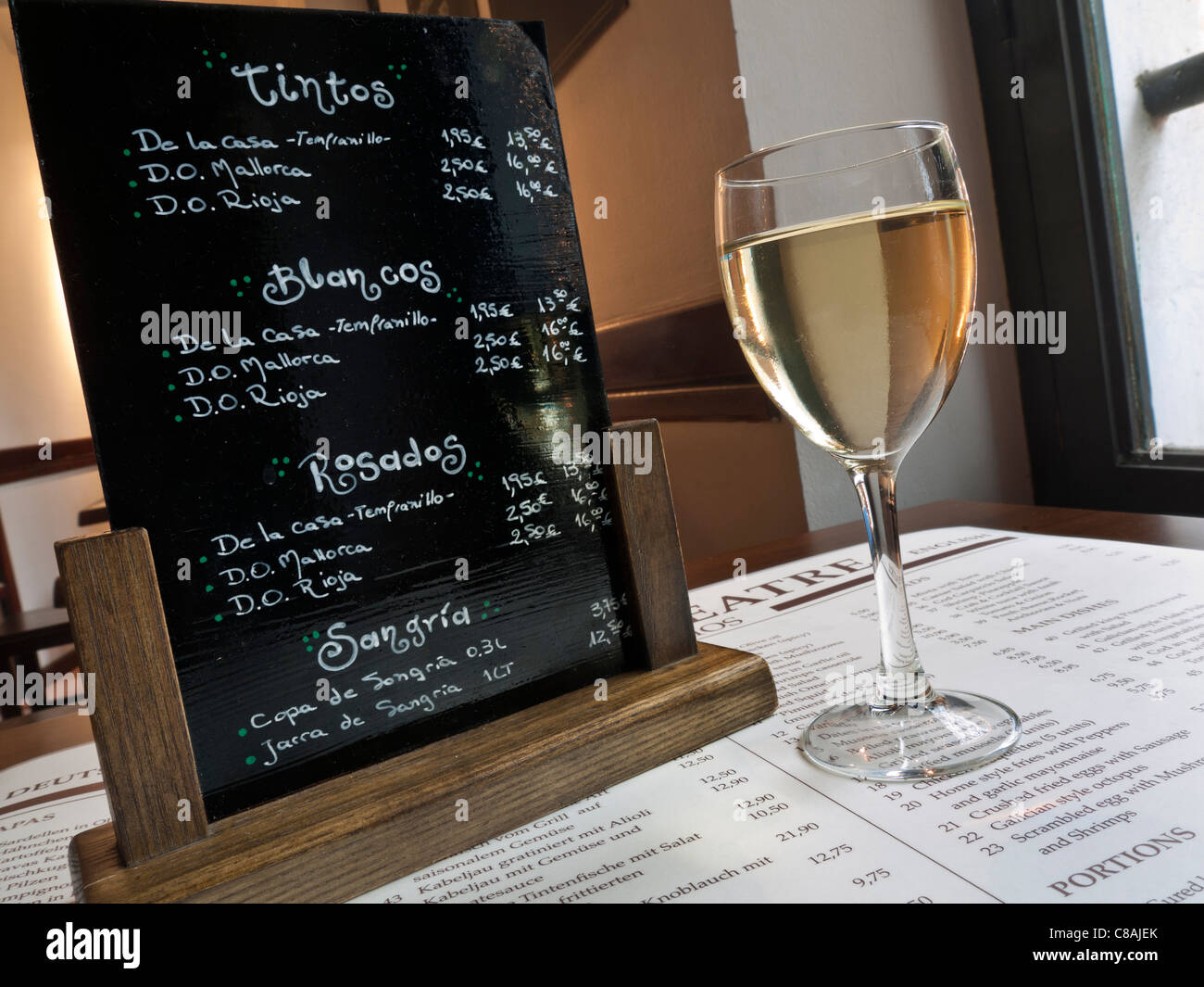 Blackboard wine list table glass of white mallorcan wine for Table 52 drink menu